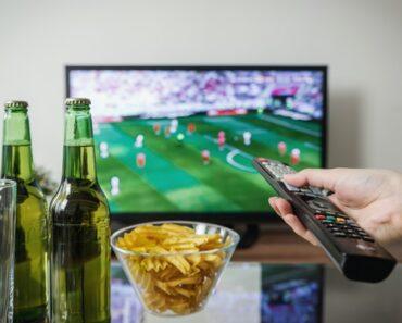 I Migliori TV da 32 Pollici del 2021: i 5 Televisori da 32″ Migliori a Confronto per cucina, camera da letto e ufficio