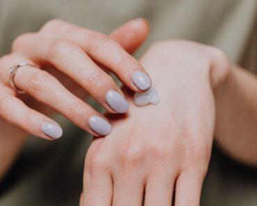 La Miglior Crema Mani del 2021: le 7 Creme per le Mani Migliori a Confronto